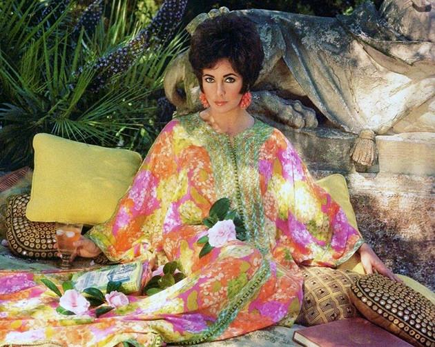 Elizabeth taylor by Henry Clarke for Vogue 1967